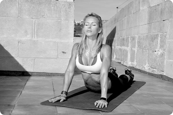 Упражнение на растяжку (пресс) 1