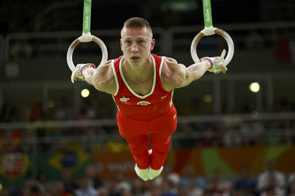 Тренировка на гимнастических кольцах