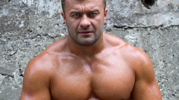 Топ-7 упражнений для центра и внутренней области груди